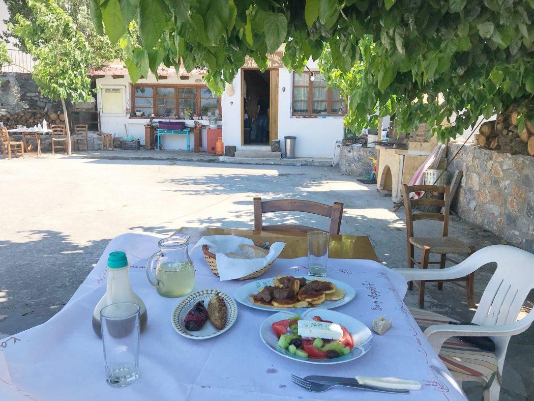 Taverna in Charkia